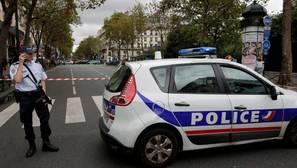 Francia detiene a dos policías belgas por cruzar la frontera con 13 inmigrantes escondidos en el camión