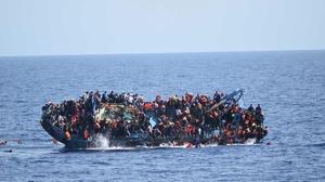 Al menos 42 muertos en el naufragio de un barco de emigrantes frente a Egipto