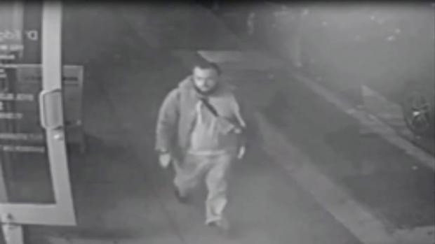 Imagen de Ahmad Khan Rahami sacada por una cámara de seguridad y distribuida durante su busca y captura