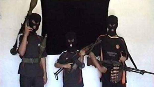 Un vídeo publicado por al Qaida en 2008 muestra a tres niños armados