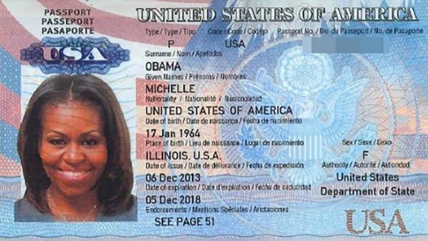 Imagen del supuesto pasaporte de la primera dama de Estados Unidos, Michelle Obama, filtrada este jueves por un grupo de «hackers»