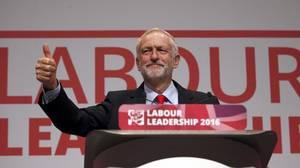 Corbyn promete unificar el laborismo tras arrasar en las primarias
