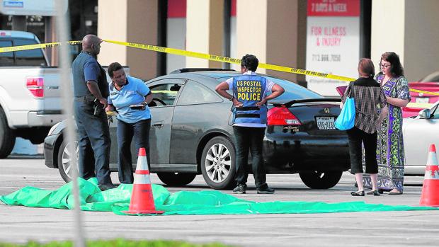 Un hombre ha abierto fuego este lunes en una zona comercial de Houston, dejando nueve muertos antes de ser abatido por la Policía