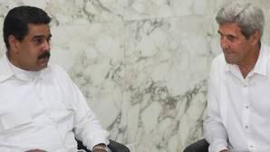 Kerry y Maduro se reúnen en Colombia para «mejorar relaciones» en medio de las tensiones por el revocatorio