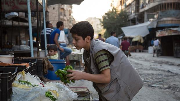 La ONG Save the Children denuncia que cerca de la mitad de los heridos en Alepo son niños