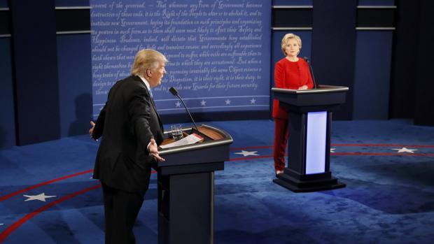 Los dos candidatos, durante el debate