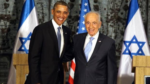 Barack Obama posa junto a Simón Peres en Jerusalén en 2013