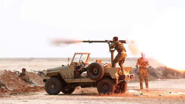 Miembros de la organización chií Badr se preparan para la batalla de Mosul, en la provincia de Diyala (Irak)