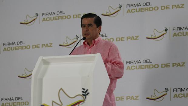 El ministro colombiano de Interior, Juan Fernando Cristo, ha solicitado un acuerdo de paz al ELN durante una rueda de prensa