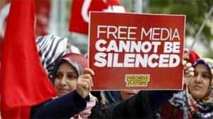 Turquía cierra 20 canales de radio y televisión en el marco del estado de emergencia