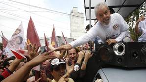 Los candidatos de las elecciones regionales de Brasil ofrecen wi-fi y viagra gratis a cambio de votos
