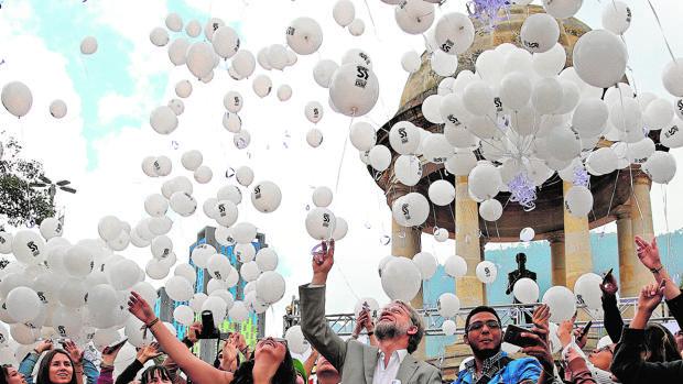 Cierre de campaña ayer en Bogotá a favor del «sí» en el referéndum este domingo