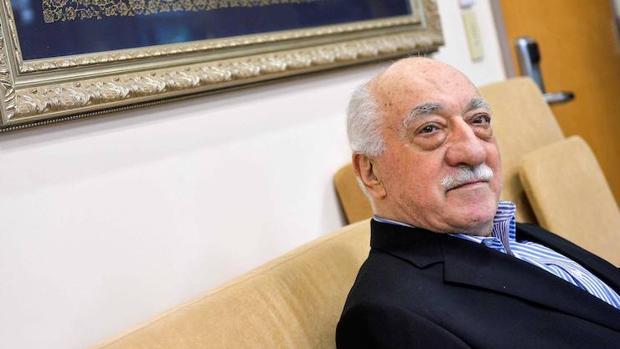 El predicador Fethullah Gülen, acusado de organizar la intentona golpista en Turquía