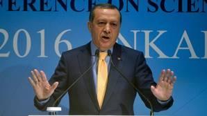 Turquía suspende a 12.801 policías por tener vínculos con Fethullah Gulen