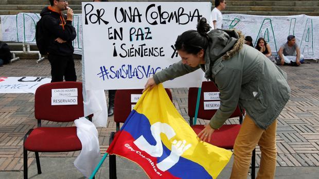 Partidarios del «sí» muestran una bandera de Colombia