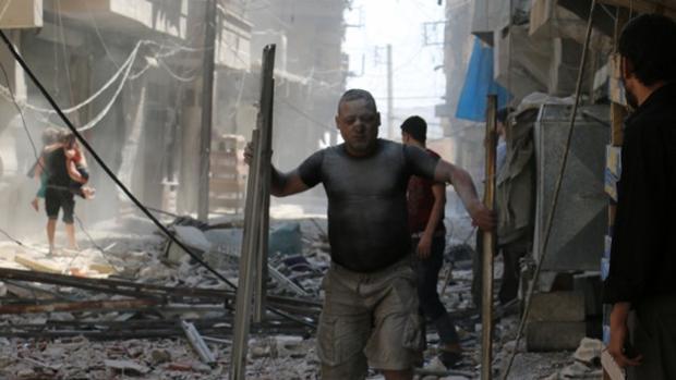 Al menos 19 muertos en un bombardeo supuestamente turco en un pueblo kurdo en Siria