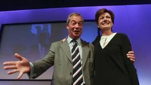 El favorito a liderar UKIP, hospitalizado tras un altercado en una reunión del partido