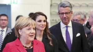 Merkel pierde la paciencia ante los planes de May en el Brexit