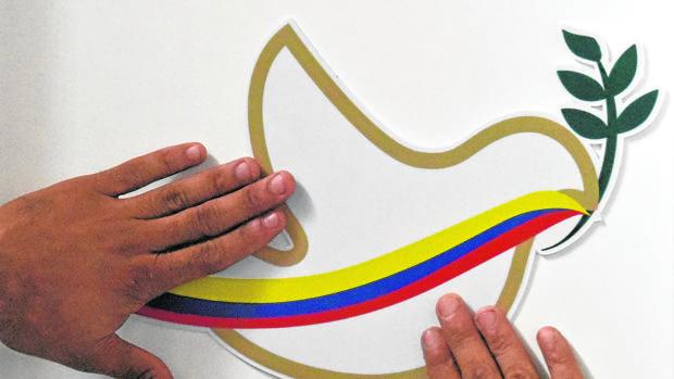 Paloma de la paz que había sido preparada para la firma de los acuerdos