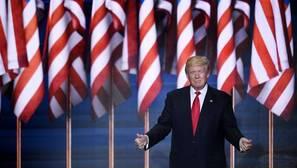 Donald Trump se niega a renunciar pese a la presión interna y social