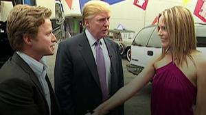 La NBC suspende al presentador que aparece con Trump en el polémico vídeo de 2005