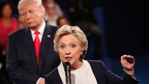 Trump y Clinton prefieren la bronca a las propuestas políticas