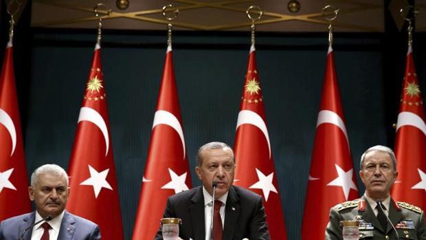 Una fotografía facilitada por la oficina de prensa del presidente de Turquía que muestra al presidente turco, Recep Tayyip Erdogan