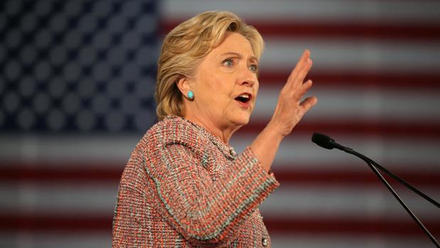 El jefe de campaña de Clinton asegura que el FBI investiga el ataque informático a su correo