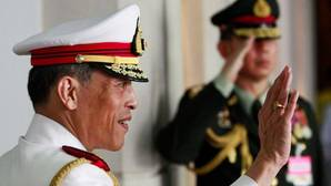 El príncipe heredero de Tailandia, Maha Vajiralongkorn, este jueves tras la muerte de su padre