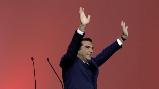Tsipras, aclamado por el Congreso de Syriza en Atenas