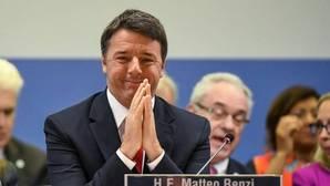 Renzi dispara el gasto para ganar su referéndum
