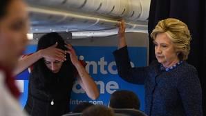 La conmoción por los últimos emails de Clinton dispara a Trump en los sondeos
