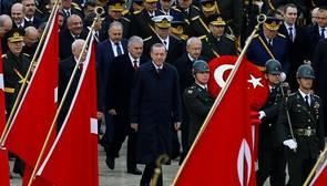 Turquía despide a más de 10.000 funcionarios en una nueva purga por el golpe de Estado fallido