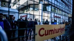 Turquía detiene a varios periodistas del diario opositor Cumhuriyet