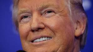 Trump rebasa a Clinton por un punto en un sondeo a siete días de las elecciones