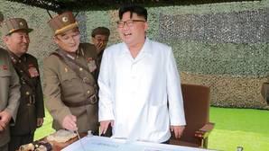 Kim Jong-un insta a sus tropas a «apuñalar los corazones de los enemigos con cuchillos afilados»