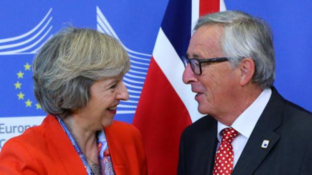 Theresa May y Jean-Claude Juncker, hace unso días en Bruselas