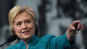 El FBI exculpa definitivamente a Clinton por el caso de los correos a dos días de la elección