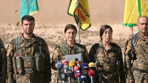 Portavoces del SDF en una rueda de prensa celebrada hoy
