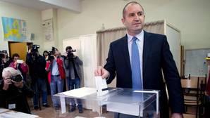 La oposición gana la primera vuelta de las presidenciales en Bulgaria, según los sondeos