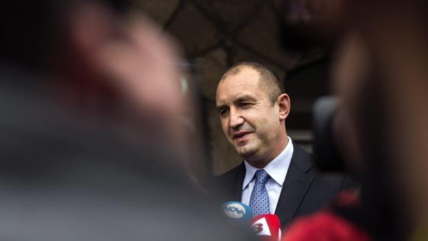 Los resultados en las elecciones de Bulgaria dan la victoria en la primera vuelta al candidato socialista