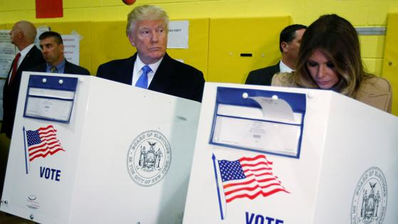 Trump y su esposa han votado en el colegio electoral PS 59 de Nueva York