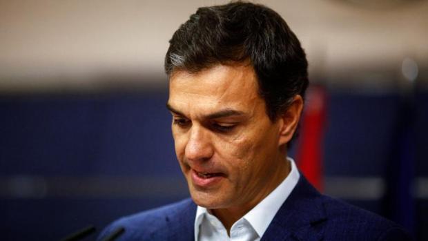 Pedro Sánchez tras anunciar su dimisión como diputado en el Congreso