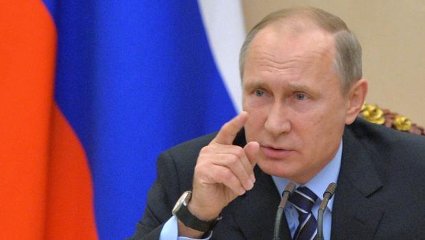 El presidente de Rusia, Vladimir Putin, este martes durante un encuentro de Consejo de Seguridad en el Kremlin de Moscú,