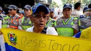 La oposición exige en Venezuela una vía para la ayuda humanitaria