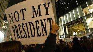 Miles de personas se manifiestan en Estados Unidos contra Trump