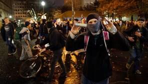 Disparan a una persona en una manifestación contra Trump