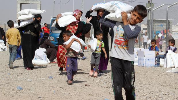 Habitantes de Hawija y Mosul refugiados en el campamento de Daquq (Irak), tras huir de los yihadistas de Daesh
