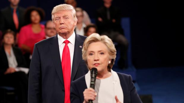 Trump reconsidera su idea de enjuiciar a Clinton porque no quiere «dañarla»