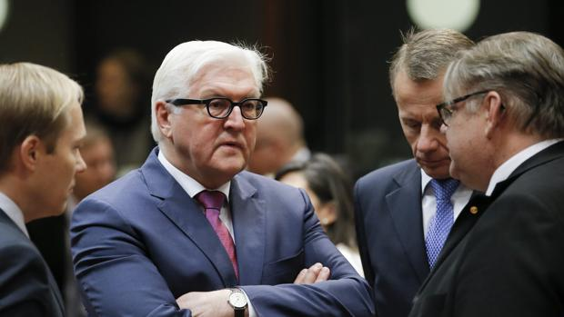 Steinmeier, rodeado de homólogos europeos, en una reciente reunión en Bruselas